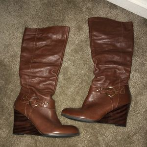 GUESS TALL BROWN WEDGE BOOT 9